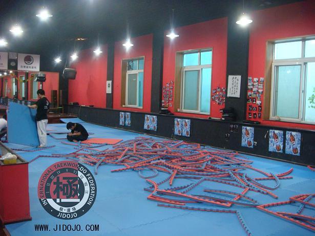 ITF跆拳道 跆拳道 极道场 北京跆拳道 国际跆拳道联盟 专业黑带教练员高清图片